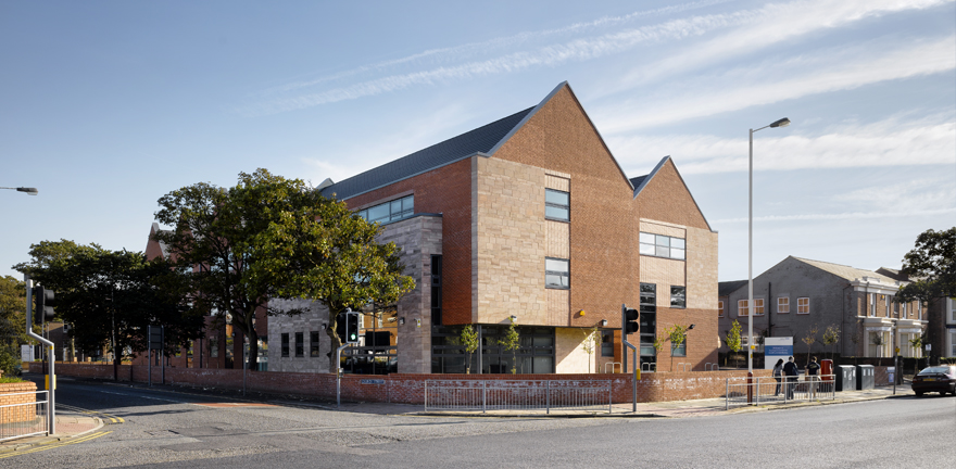 Southport Health Centre by MBLA Architects + Urbanists
